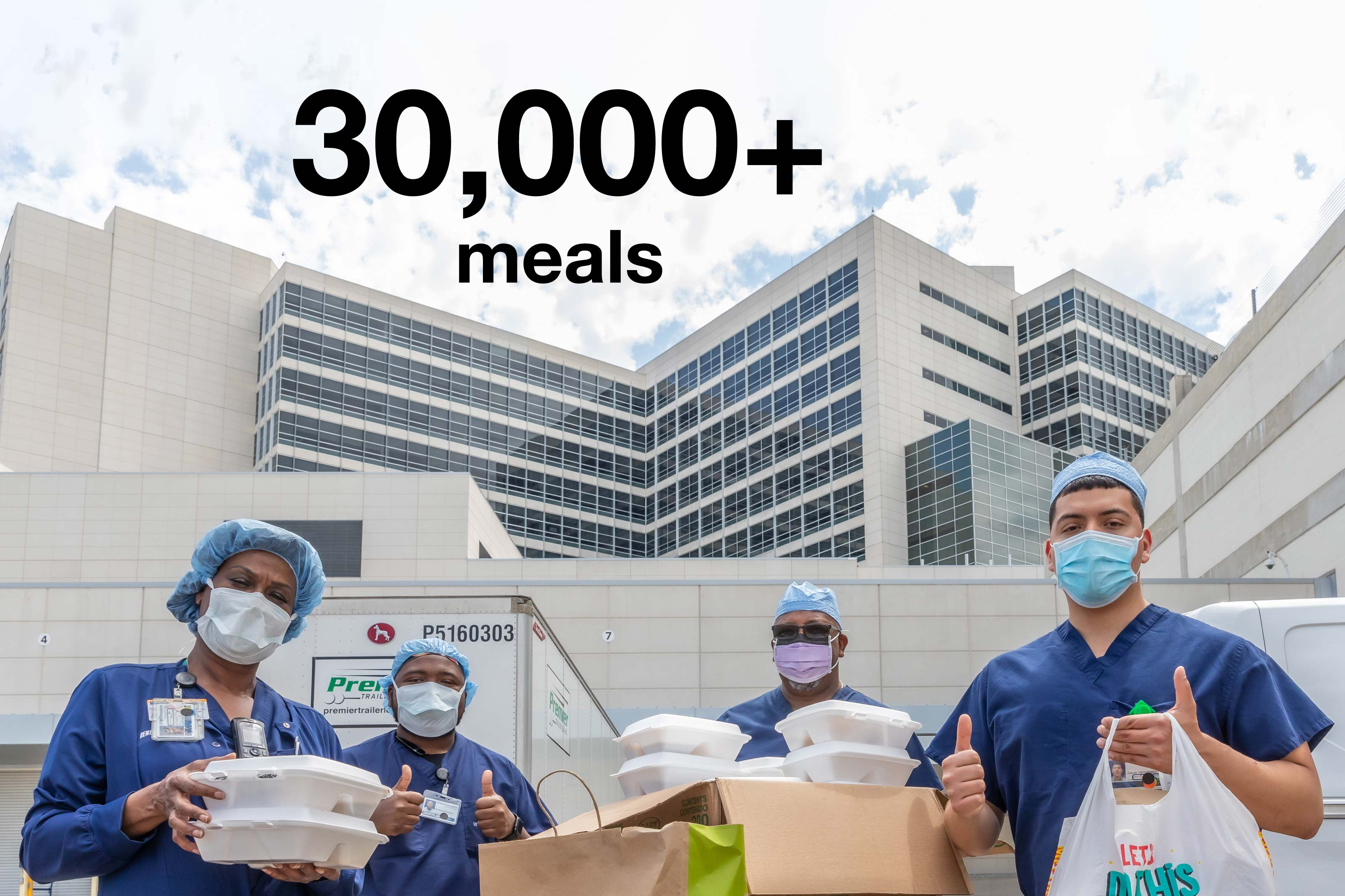 Infographic illustrating people donated more than 30,000 meals to UT Southwestern